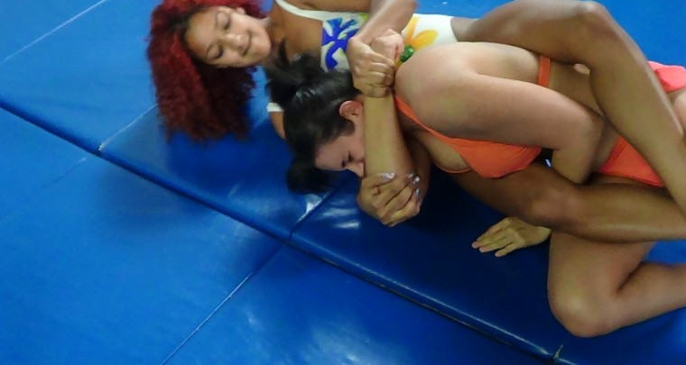 WOMEN WRESTLE AND COMPETE IN SAN JOSE