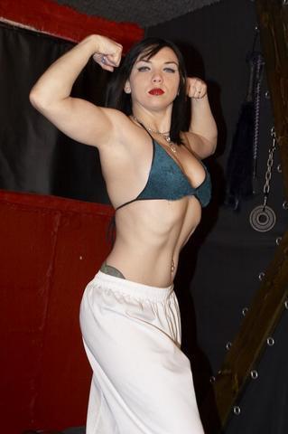 https://femcompetitor.com article, photo girlsmuscle.com