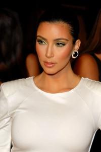 fitness page 800px-Kim_Kardashian_2009