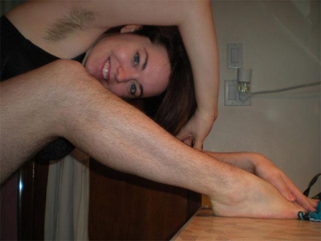 judit woman_unite_in_honor_of_their_hairy_legs_640_04