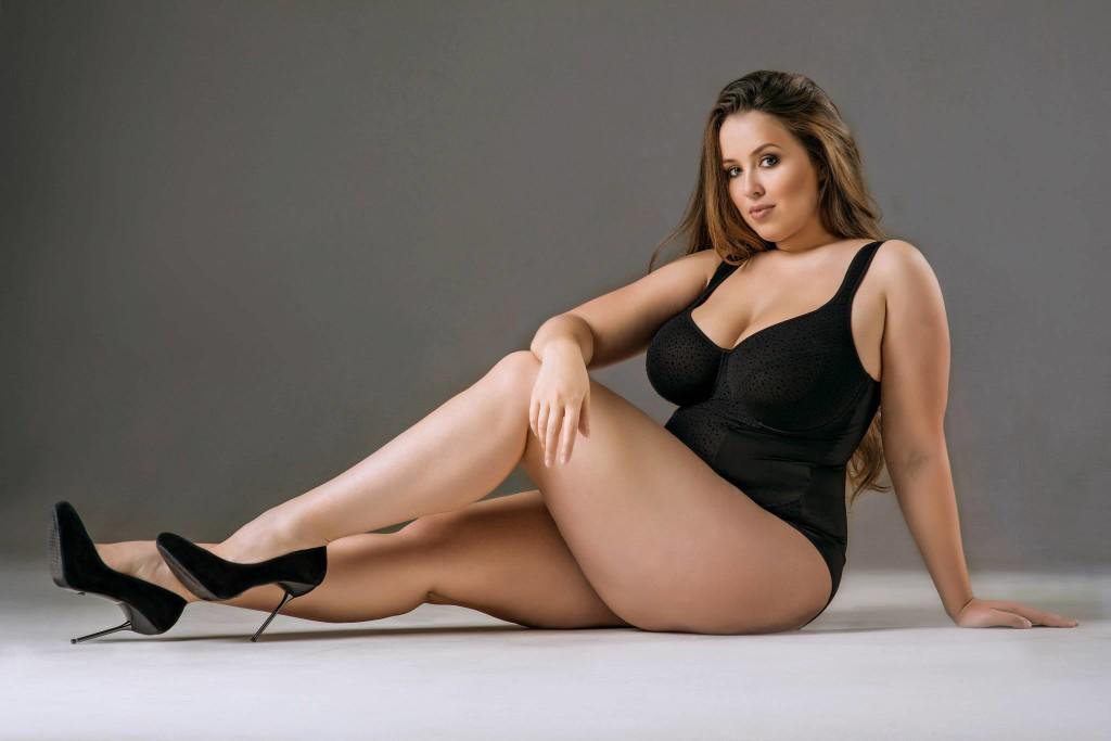 fciwomenswrestling.com article, grandesyhermosas.blogspot.com photo