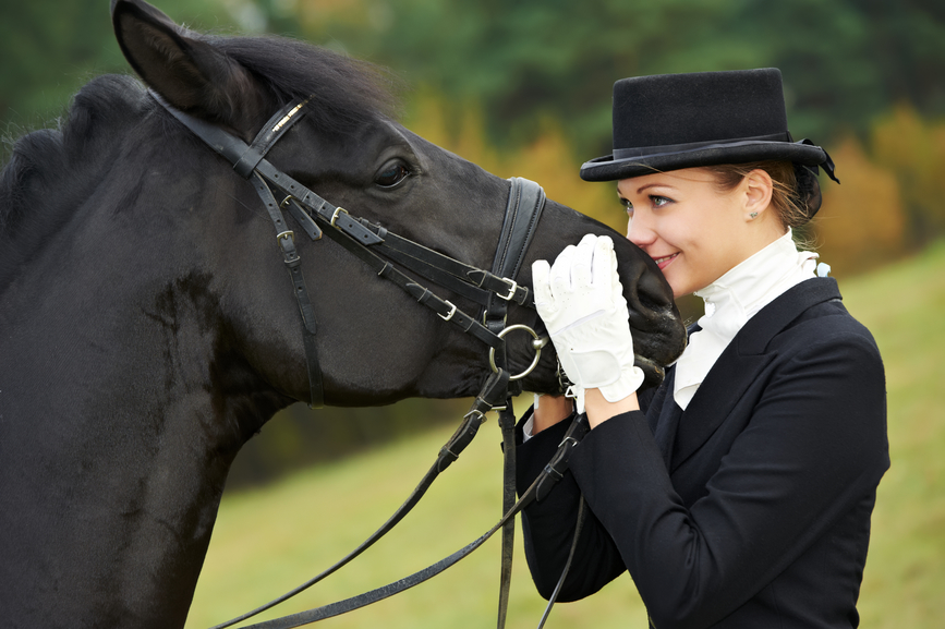 fciwomenswrestling.com article, equestrianwear.com photo