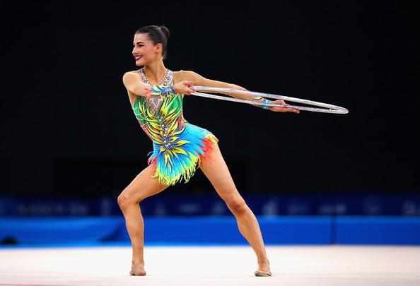 danielle zimbio.com 20th+Commonwealth+Games+Day+2+Rhythmic+Gymnastics+ZwmxhTi6RObl