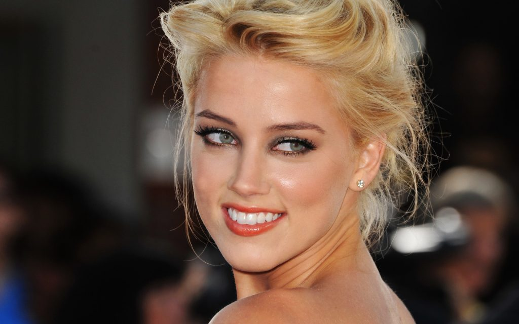 Amber-Heard-Social www.pinknews.co.uk amber