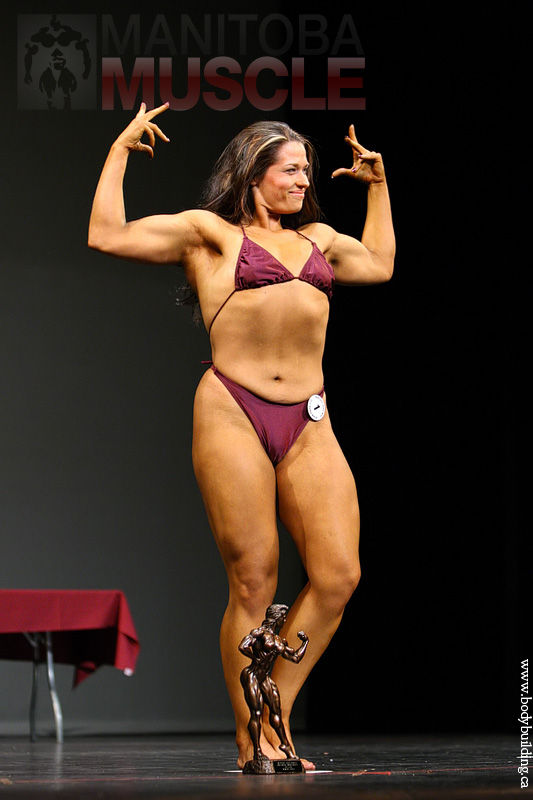 fciwomenswrestling.com article, www.bodybuilding.ca photo