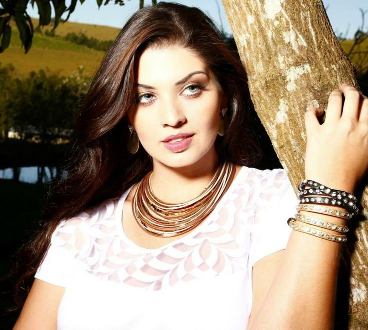 fciwomenswrestling.com article, plussizemodelshq-com photo