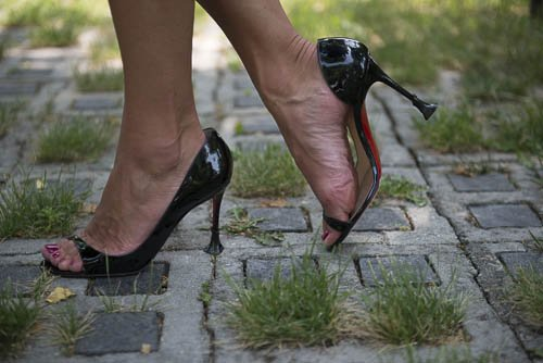 Memo To Beautiful Women, Love Your Solemates, Your High Heel's Soulmate
