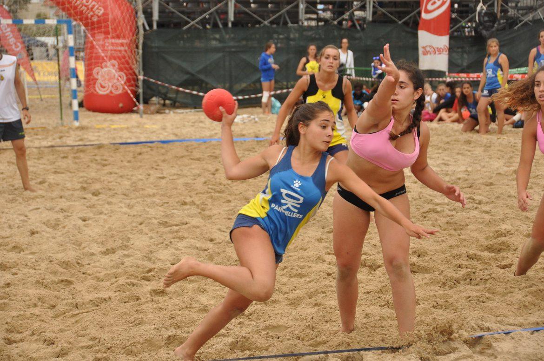 fciwomenswrestling.com article By RFEBM Balonmano - Día 1 - Campeonato de España de Balonmano Playa, Laredo 2014 wikimedia
