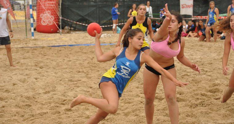 Female Sports Popular On The Beach, Wrestling, Volleyball, Handball