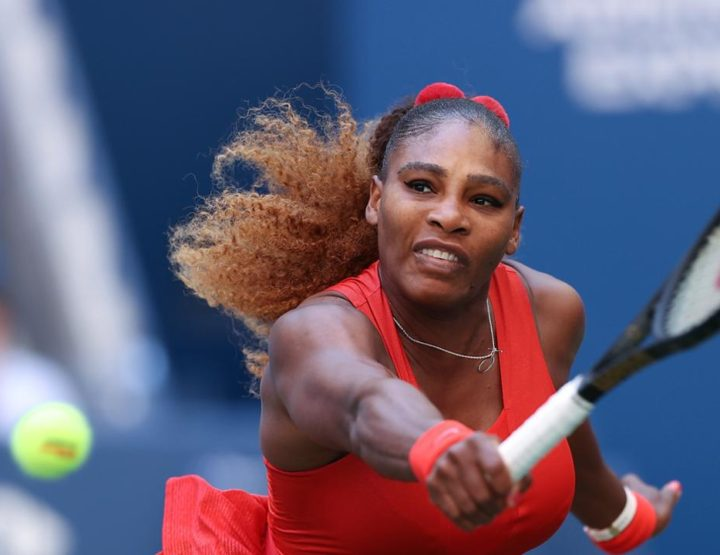 Heavyweight Fight, Serena TKOs Sloane In The 3rd